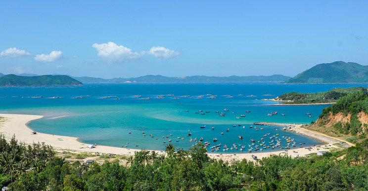 Tour Xuan Dai bay in-Tuy-Hoa-Phu-Yen-Best-Intro-Tours-&-Trips-with-locals-Activities-Things-to-do-in-Phu-Yen-Sightseeing-Tours-in-Tuy-Hoa-by-IntroTrip-Travel