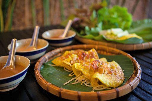 Banh-Xeo Vietnamese-crepe-best-food-in-Tuy-Hoa-Phu-Yen-foodie-tours-in-Tuy-Hoa-Phu-Yen-Intro-Tours-&-Local-Day-Trips-in-Tuy-Hoa-Phu-Yen-Intro-Food-Tours-IntroTrip-Travel-Guide